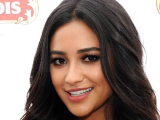 Shay Mitchell Plastic Surgery
